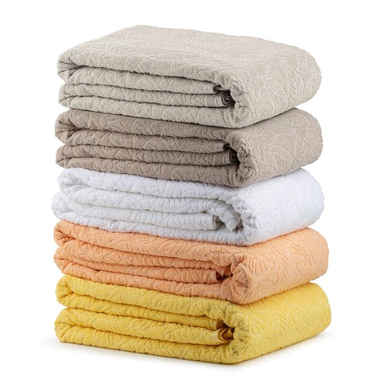 Praktični višenamjenski pokrivač možete koristiti u spavaćoj sobi da zaštitite jorgane i jastuke od prašine i prljavštine. U toplijim mjesecima može se koristiti kao pokrivač. U dnevnoj sobi zaštitite kauč ili se ogrnite pokrivačem dok gledate televiziju. Na odmoru ili putovanju koristite ga kao podlogu za plažu, prekrivač za ležajku ili pokrivač u šatoru. Periv je na 60 °C.