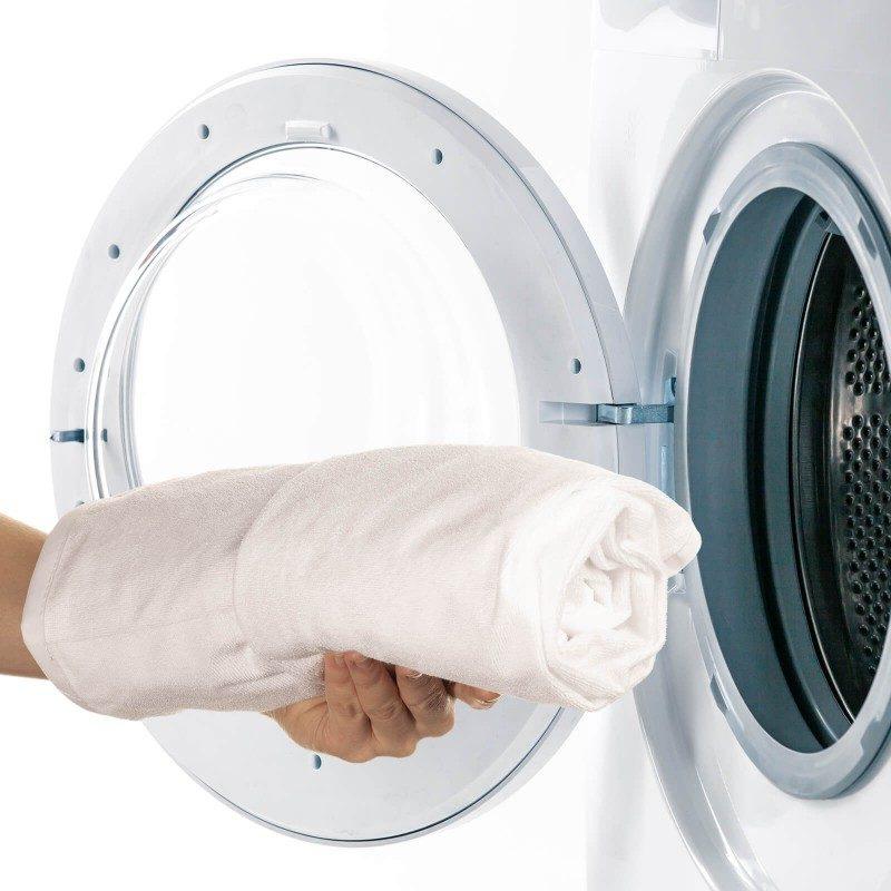 Nepremočiva zaštita za dušek Protect nudi efikasnu zaštitu dušeka od fleka i vlage, zbog čega je odličan izbor kako za djecu tako i za odrasle koji pate od inkontinencije. Iako je navlaka vodootporna ona propušta vodenu paru i vazduh. Tkanina tako diše i prozračna je, zbog čega se vlaga ne zadržava u vašem dušeku.  Zaštitna navlaka pruža svježu i suvu okolinu za spavanje. Zaštita na krajevima ima izdržljive elastične trake, pomoću kojih je namještanje brzo i jednostvano. Zaštitna navlaka je u cjelosti periva na 60 °C.