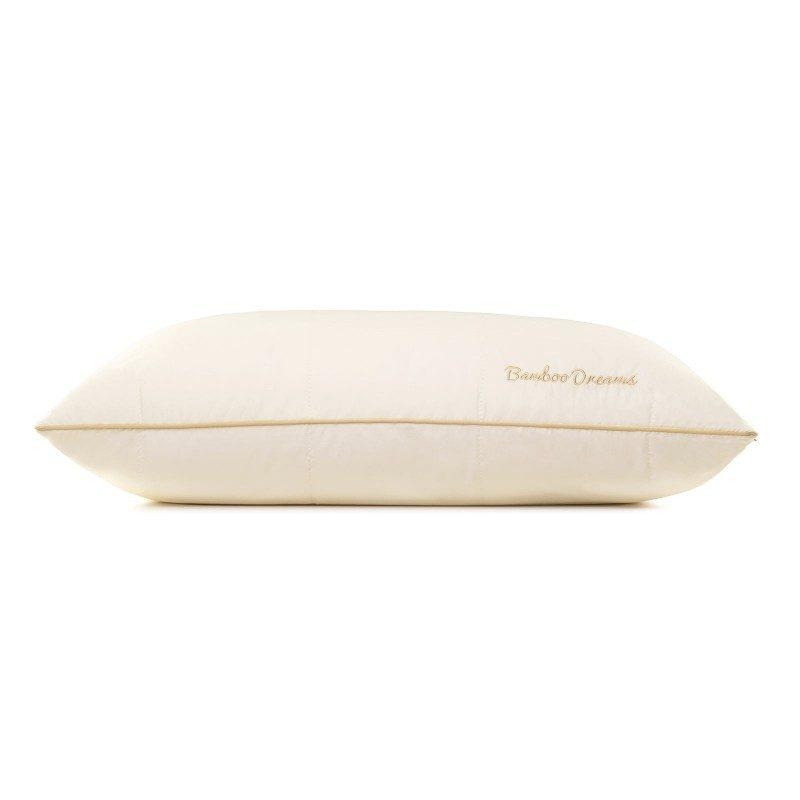 Klasični jastuk Andorra SuperSoft u svojoj nižoj verziji, pogodan je za sve one koji vole jastuk da okreću i savijaju dok spavaju, imaju uža ramena i najčešće spavaju na stomaku. Vaša koža će biti u kontaktu sa 100 % nebijeljenim pamukom i bambusovim vlaknima, što garantuje svježinu i higijensko okruženje za spavanje. Jastuk je u cjelosti periv na 60 °C.