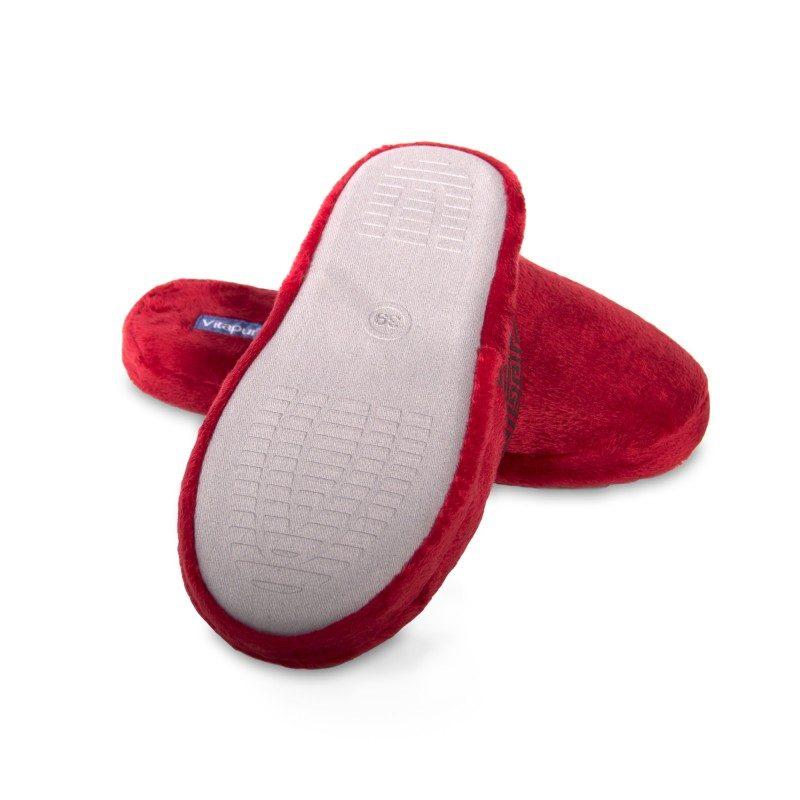 Lagan korak za mala i velika stopala, kako biste im pružili maksimalnu udobnost! Mekane papuče SoftTouch Home izrađene su od visokokvalitetnih mikrovlakana koji vam pružaju osjećaj mekoće i udobnosti. Jednobojne papuče s mekanim đonom i dekorativnim rubom za sve ukuse. Dostupne su u različitim bojama i primjerene su za žene. Nije preporučeno pranje u mašini za veš.