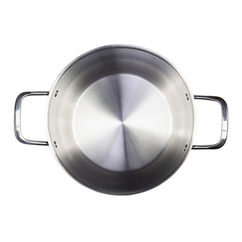 Čelični lonac Pour & Cook prečnika 24cm i zapremine 6,5l odlikuje neuništiv, nerđajući čelik 18/10 i 3-slojno dno, koje omogućava brzo, ravnomjerno zagrijavanje i kraće vrijeme kuvanja. Tehnologija ThermoFlow omogućava odličnu distribuciju toplote po cijeloj površini posude i na taj način obezbjeđuje ravnomjerno kuvanje. Za jednostavnije kuvanje, lonac ima mjernu skalu u unutrašnjosti posude, a za lakše odlivanje i isparavanje imaju prilagođeni poklopac i zaobljeni rub posude. Pogodno za sve površine za kuvanje, uključujući indukcionu. Lako se čisti i može se prati i u mašini za pranje sudova.