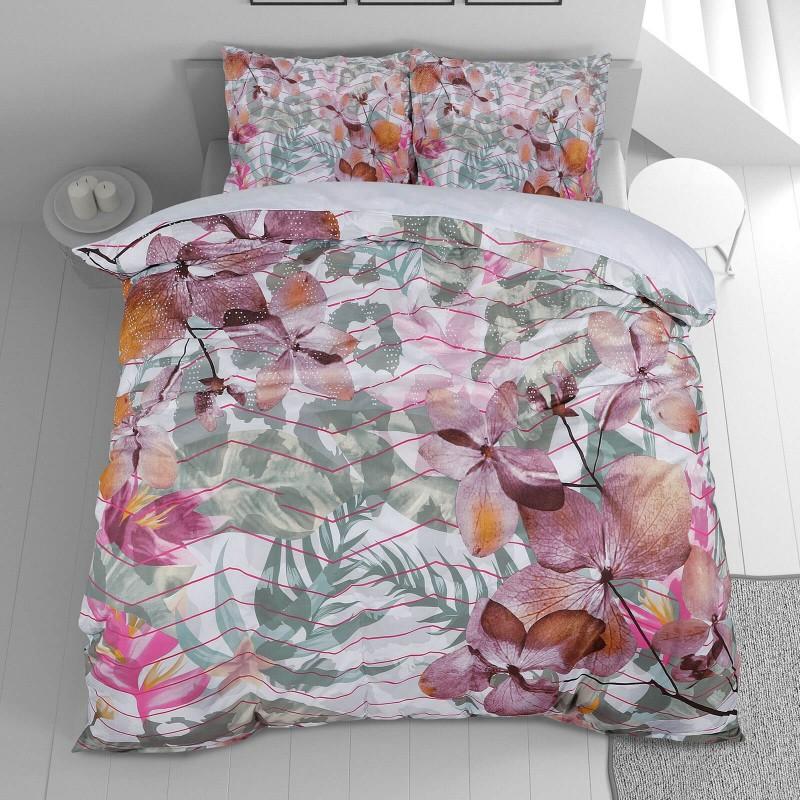 Vrijeme je za potpuno uživanje u modernim pamučnim posteljinama! Posteljina Mendy izrađena je od renforce platna, mekane tkanine, jednostavne za održavanje. Očarati će vas moderan cvjetni dizajn. Posteljina je periva na 40 °C.