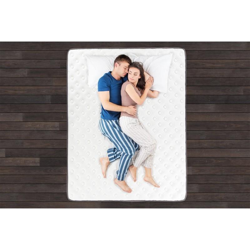 7-zonski dušek Hitex Antistress Royal visine 30 cm, pruža vašem tijelu potpunu podršku i udobnost, tako da ćete ujutru biti odmorni i naspavani. Nezavisne džepičaste opruge u kombinaciji sa gel memorijskom pjenom i hladno valjanom pjenom u tri sloja, osiguravaju pravilan položaj tijela i opuštajući san.