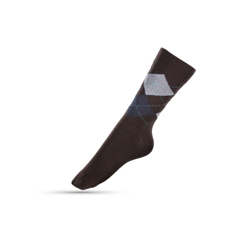 Muške čarape sa karo uzorkom su mekane i udobne za nošenje. Izrađene od kombinacije materijala, sa velikim udjelom pamuka, za veću prozračenost. U veličinama: 39-42, 43-46.
