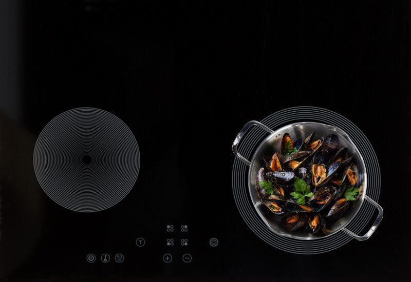 Primjerena za sve površine za kuvanje, uključujući indukcionu